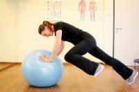 Therapieball Übung
